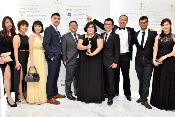 VHR Team At SME Top 100 Awards