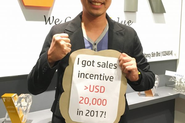 Congratulations to team Indonesia's Star Performer, Hendrik Gunawan! He has successfully brought home more than USD 20,000 commissions this year!