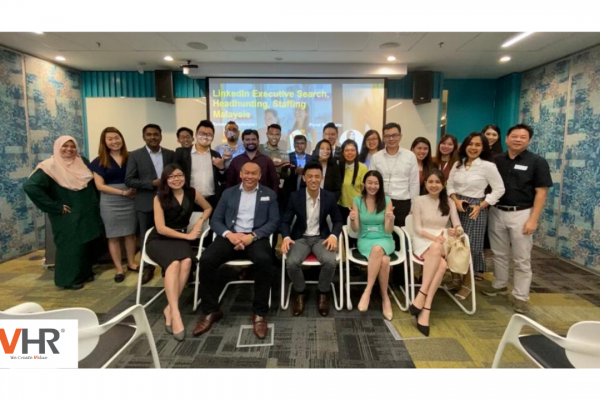 VHR Consultancy's MD, Low was invited as one of the panel speakers for LinkedIn's Executive Talent Search event at Microsoft Malaysia yesterday, to discuss the future trends in recruitment. Thank you, KaiJie and Dinny from LinkedIn for organising such a well-thought-out event!